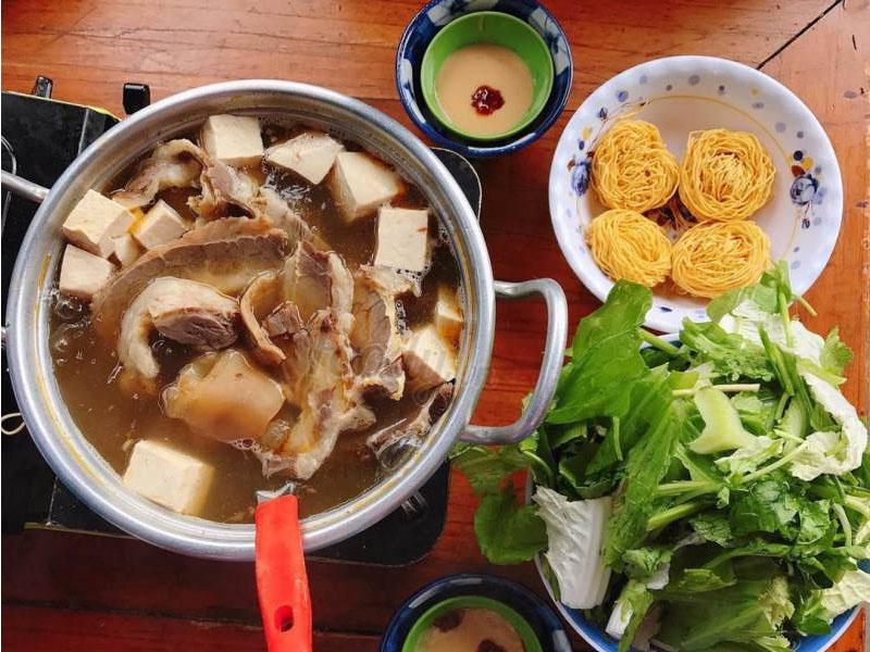 Review ẩm thực - Thưởng thức lẩu bò ba toa Đà Lạt ngay tiết trời se lạnh - Tại sao không?